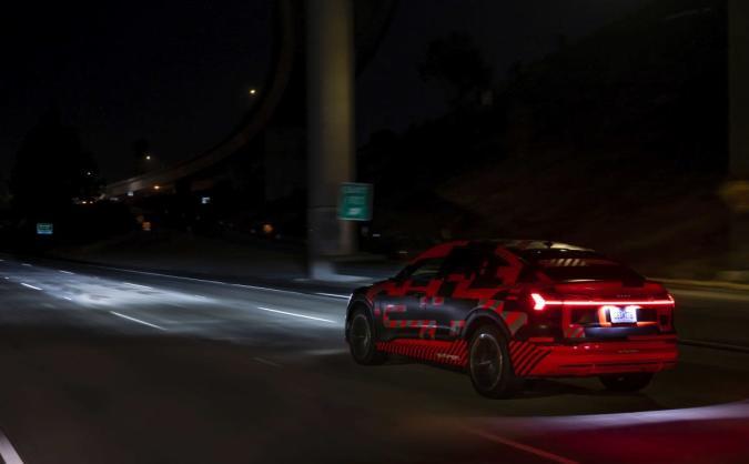 The Morning After: Audi's E-Tron Sportback has a 'carpet of light'