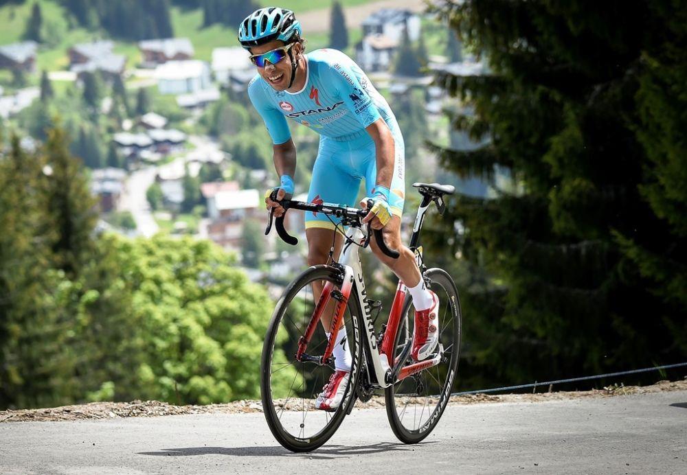 Tour d'Italie: blessé à un genou, Aru déclare forfait