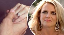 Fiancé slammed for announcing engagement at sister's funeral