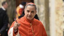 Cardeal do Vaticano que renunciou por escândalo imobiliário se diz inocente