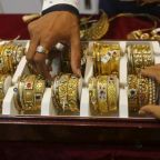 Gold rises to one-week high on Brexit deal logjam