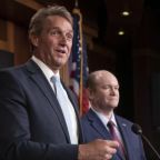 Jeff Flake threatens to block judicial appointments over Mueller inquiry bill
