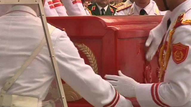 Hundreds gather for General Giap funeral in Vietnam