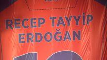 Erdogan-Klub im Präsidenten-Palast empfangen