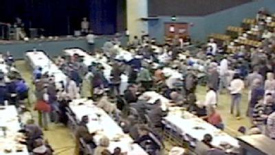 1,500 Thanksgiving Meals Dished Out At Santa Cruz Civic Auditorium