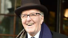 Robert Hardy, Cornelius Fudge in 'Harry Potter' Films, Dies at 91