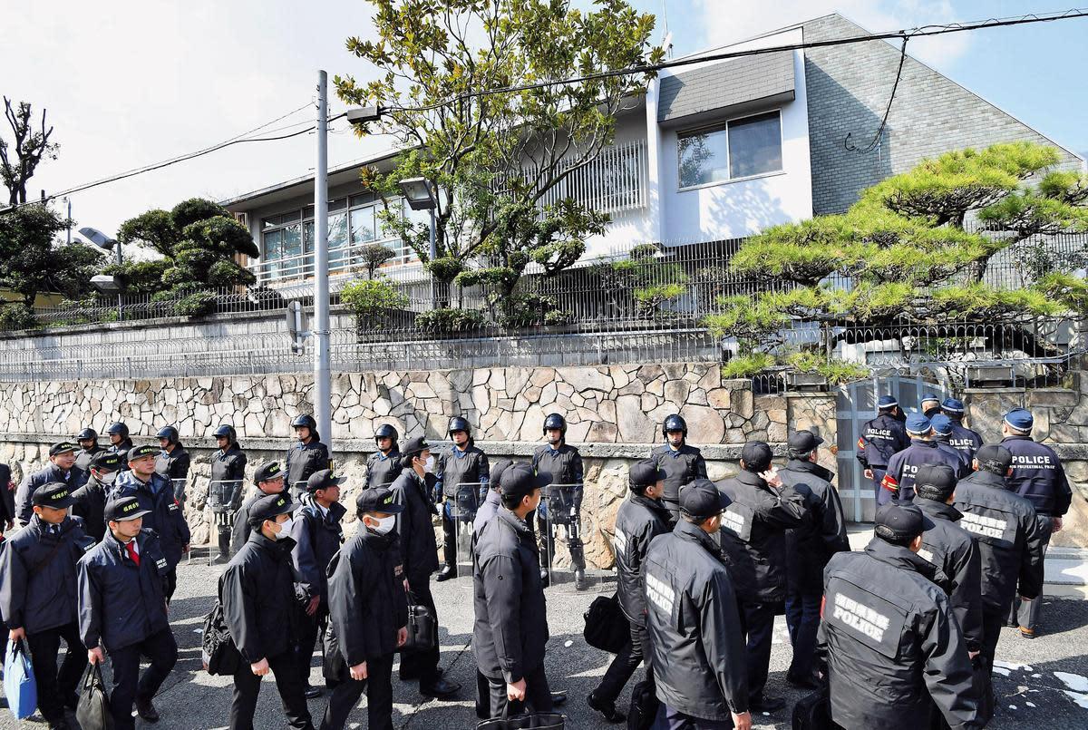 日本山口組雖為合法註冊的團體,但神戶總部曾多次遭日本警方搜索。(東方IC)