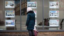 U.K. Urges Home Buyers to Suspend Deals During Virus Lockdown