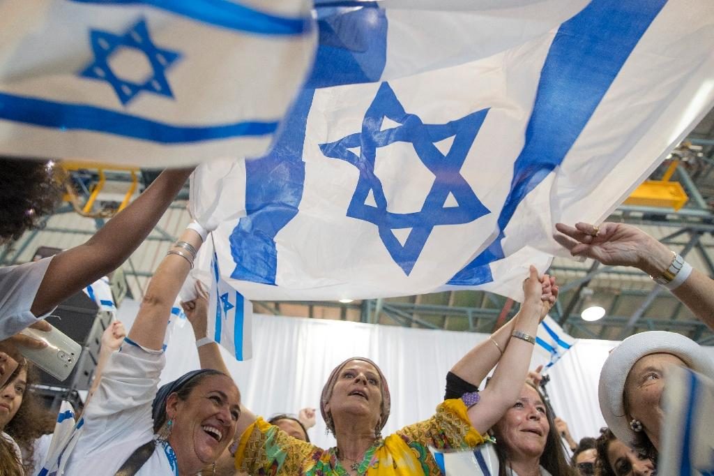 Experts and members of the Jewish community in France say that recent attacks are not the only reason people are leaving for Israel, with family, religious and economic reasons also playing a role