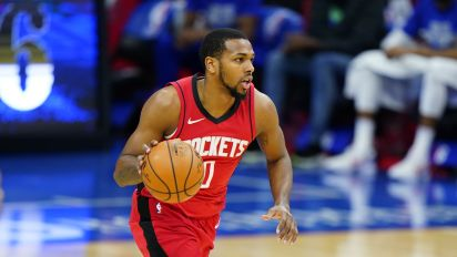 Report: Rockets' Brown hit with bottle outside club