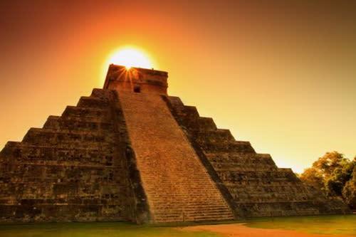 圖/羽蛇神金字塔連同其琴伊薩其他的馬雅遺跡,被列為世界七大奇景。