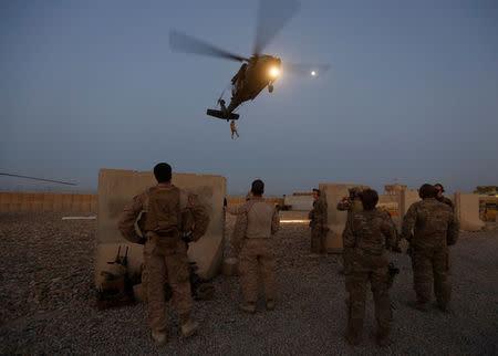 امریکایي چارواکی: له افغانستانه د پوځ ایستلو ته ژمن یو