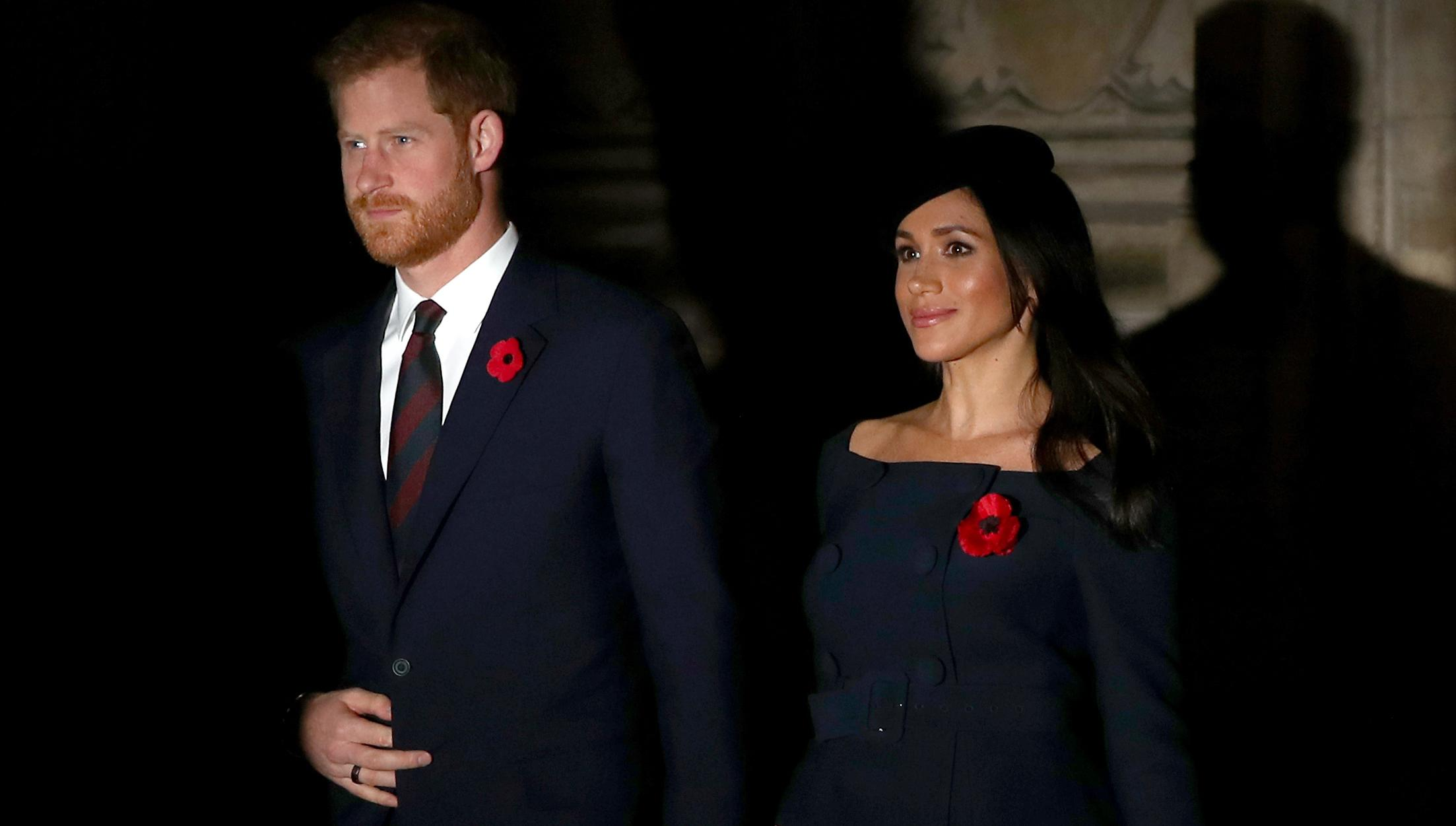 Did Meghan Markle Wear A 49 Ms Dress To Festival Of Remembrance