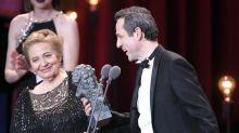 """Julita Salmerón dedica el Goya a su marido: """"Después de ti el más guapo es Javier Bardem"""""""