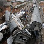7 killed, almost 80 injured in Morocco train derailment