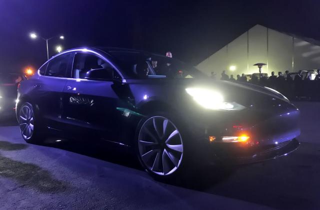 EPA confirms Tesla's Model 3 has a range of 310 miles