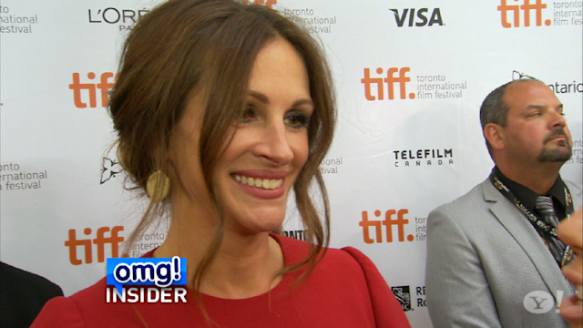 Julia Roberts and Taylor Swift Have Photo Booth Fun at TIFF