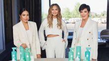 Kris Jenner y Chrissy Teigen encontraron el negocio perfecto en la pandemia: limpiadores