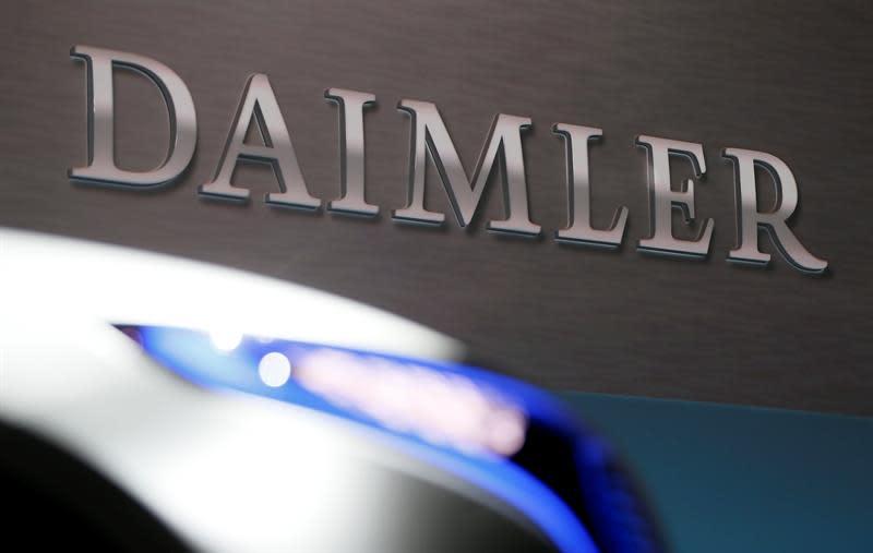 Por A De La Pronósticos El Diésel Sus Daimler Revisa Baja Beneficio 8nN0vmywO