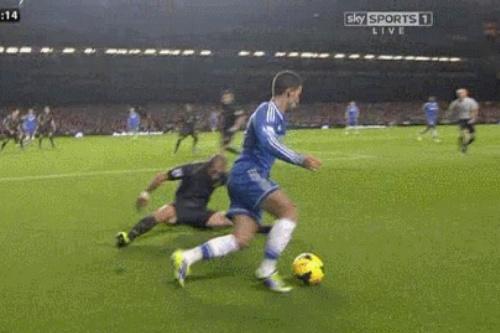 GIF: Hazard's mesmerising trickery leaves Zabaleta on his arse