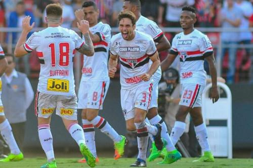 Rodrigo Caio não treina e segue como dúvida no São Paulo contra Cruzeiro