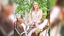 Bride's horse stole the spotlight by grinning in wedding pics