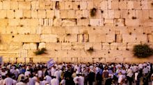 Israel to let armchair travellers leave digital notes on the Western Wall