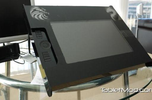 Homegrown Wacom Cintiq LCD tablet comes to life through prefab DIY enclosure