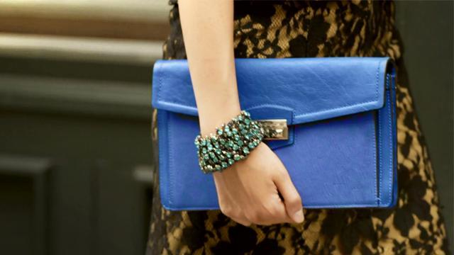 How to dress with the latest Fall 2012 women's accessories