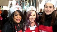 Stars Give Back at Thanksgiving 2015