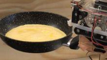 VIDEO. Des ingénieurs de Cambridge apprennent à un robot à faire des omelettes