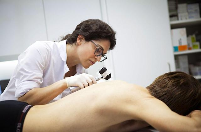 AI outperforms human doctors in spotting skin cancer
