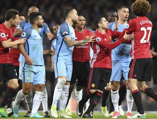 Man City-Man Utd: un Martial à deux vitesses, Fellaini expulsé, Bravo évacué sur civière… ce qu'il faut retenir du derby de Manchester