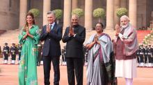 Macri rinde homenaje a Mahatma Gandhi en el inicio de su visita a la India