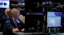Wall Street recua sob o peso de ações financeiras e em meio a incertezas comerciais