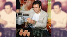Pics: Vivek Oberoi Serves Chai at the 'PM Narendra Modi' Screening