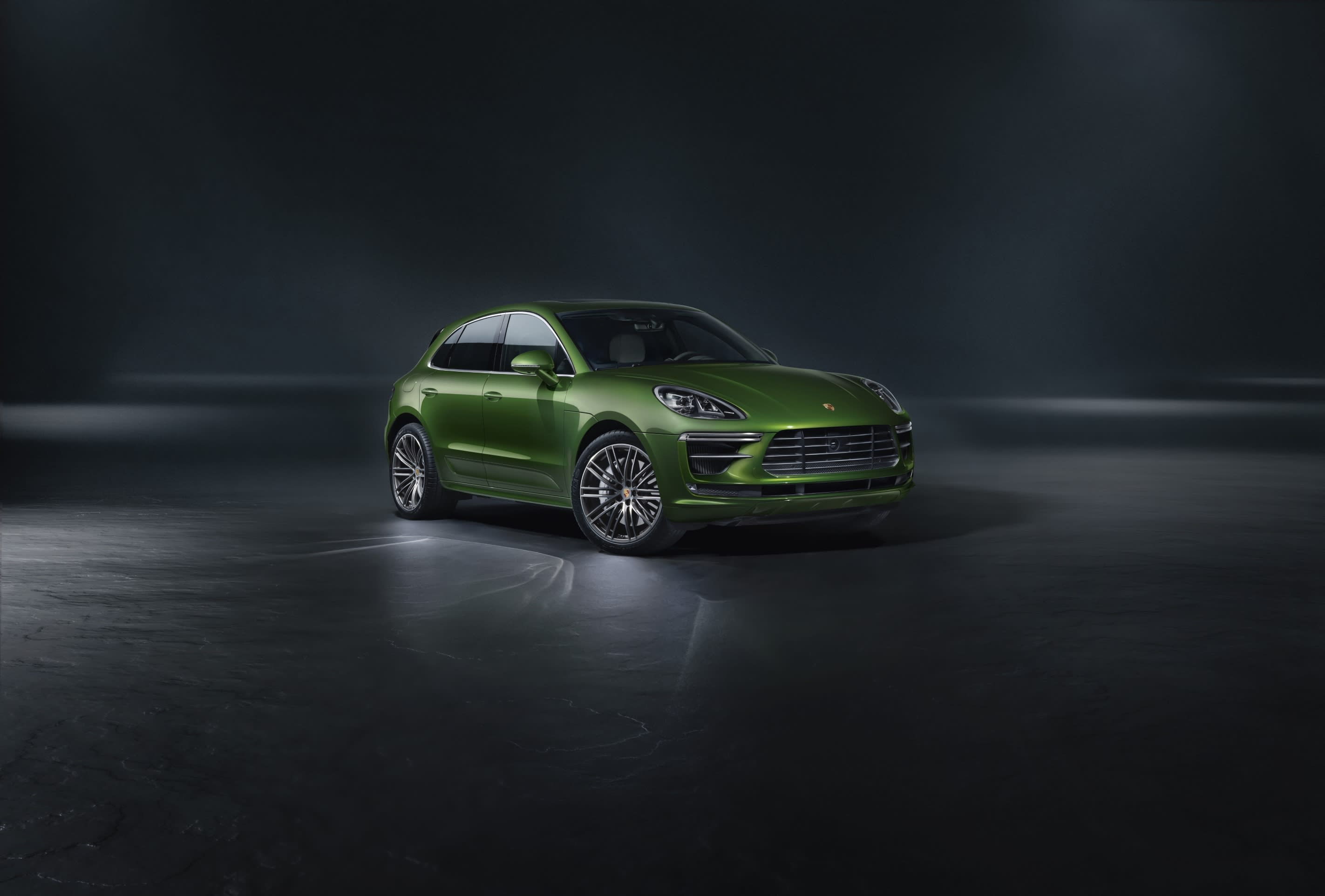 Macan Turbo features a 2.9L biturbo six-cylinder