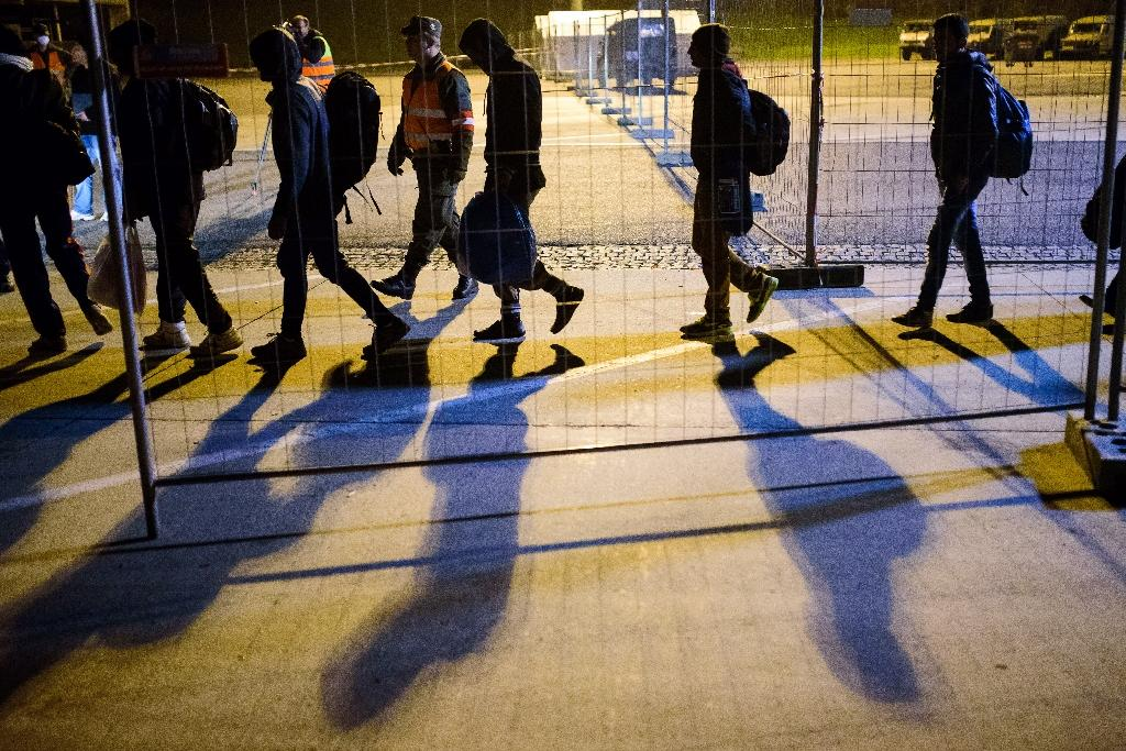 Austria received some 90,000 asylum requests in 2015