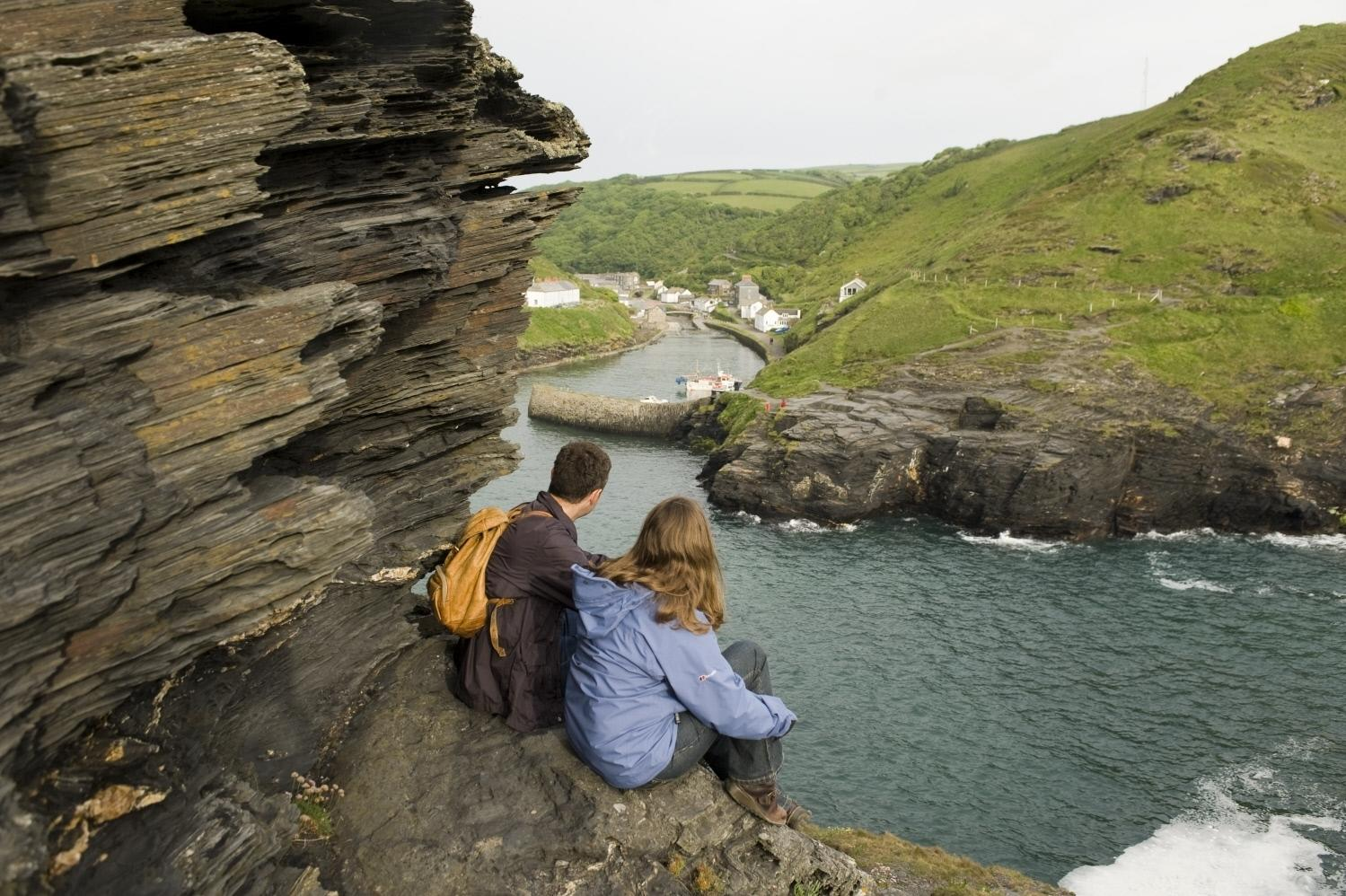 "Beginning in the picturesque seaside village of Boscastle, this lovely walk explores the cliffs above Boscastle's medieval harbour before heading inland across the <a href=""https://www.nationaltrust.org.uk/boscastle/trails/boscastle-and-the-valency-valley-walk"" target=""_blank"">Valency Valley</a> and through peaceful woodland, alongside the meandering Valency River. <strong>Best for: Varied landscapes.</strong>"