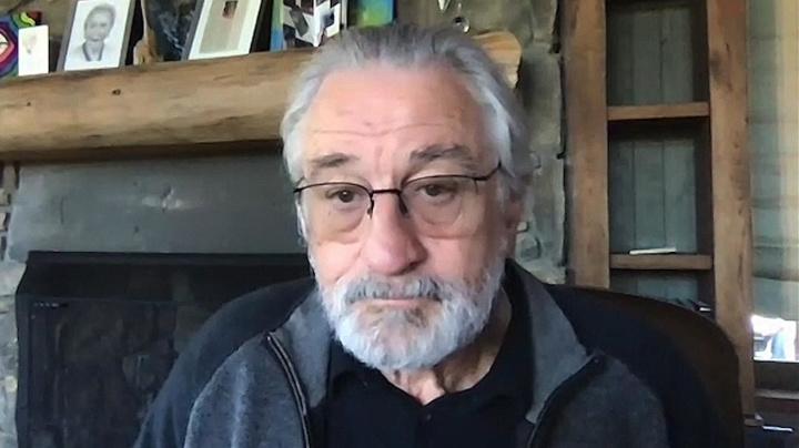 Robert De Niro celebrates Ginsburg, tears into Trump