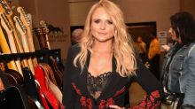 Miranda Lambert says she 'had to sing with someone with a ρenis' to top the radio charts