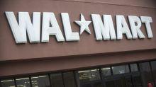 "VIDEO  Despiden a dos empleados de Walmart por decir a un cliente ""aprende inglés"""