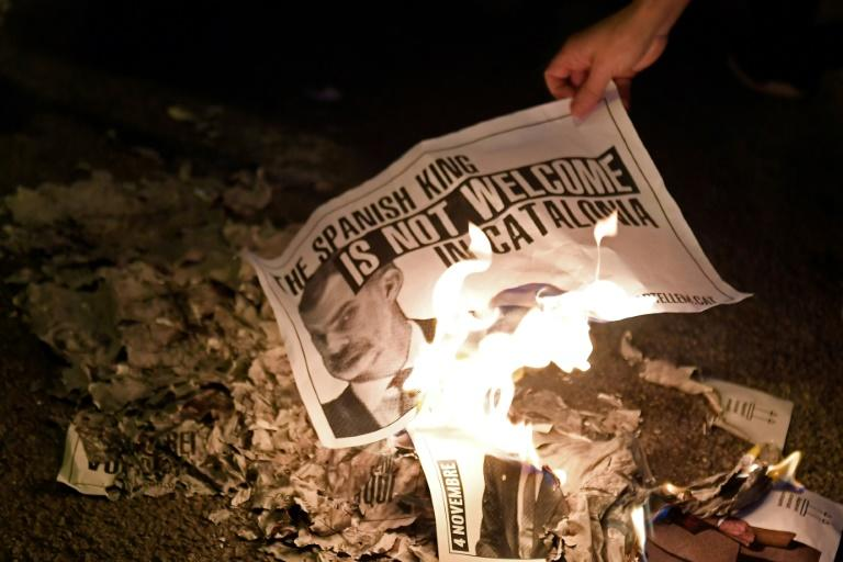 Catalonia crisis: Separatists burning pictures of King of Spain