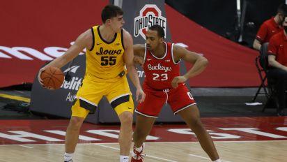 Garza, Weiskamp lead No. 9 Iowa over No. 4 Ohio State 73-57