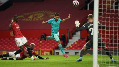 Firmino marca 2 gols em vitória do Liverpool sobre o Manchester United