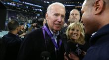 Foot US - NFL - Joe Biden salue le courage de Carl Nassib (NFL) et de la footballeuse Kumi Yokoyama après leur coming out