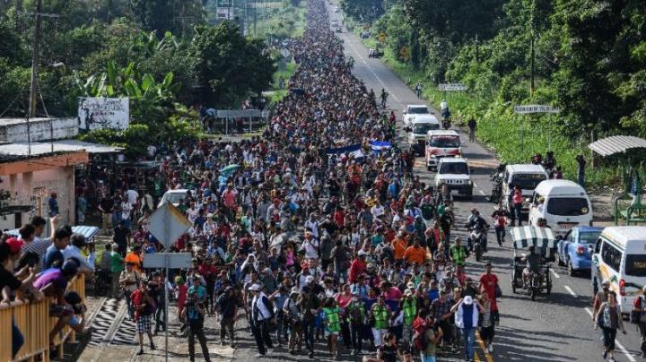 Honduran migrants march despite Trump's orders