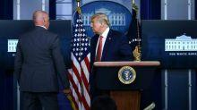 Trump évacué par ses gardes du corps en pleine conférence de presse
