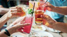 5 drinks para evitar se quiser perder peso e por quais substituí-los