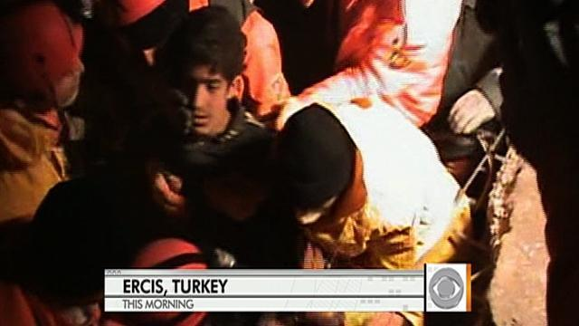 Turkey: Rescuers pull 13-year-old out of rubble